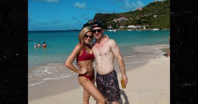 Alex Bregman Ducking Astros Scandal On Island Vacay With Smokin' Hot GF